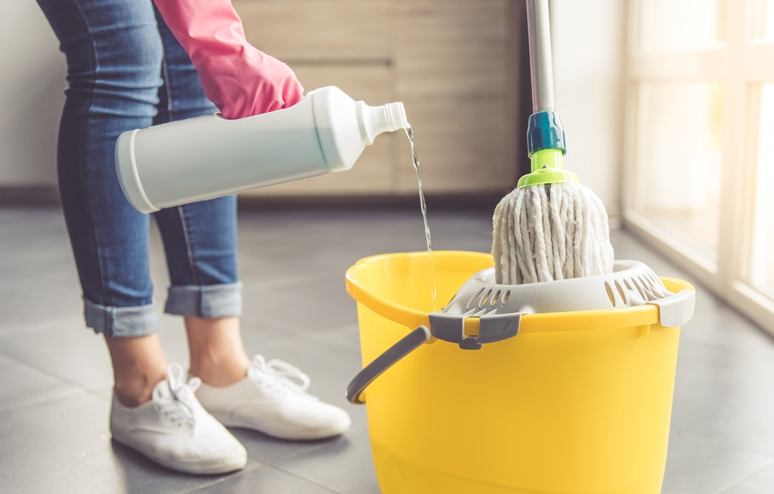 Infographic: Why Should You Switch To Green Cleaning?