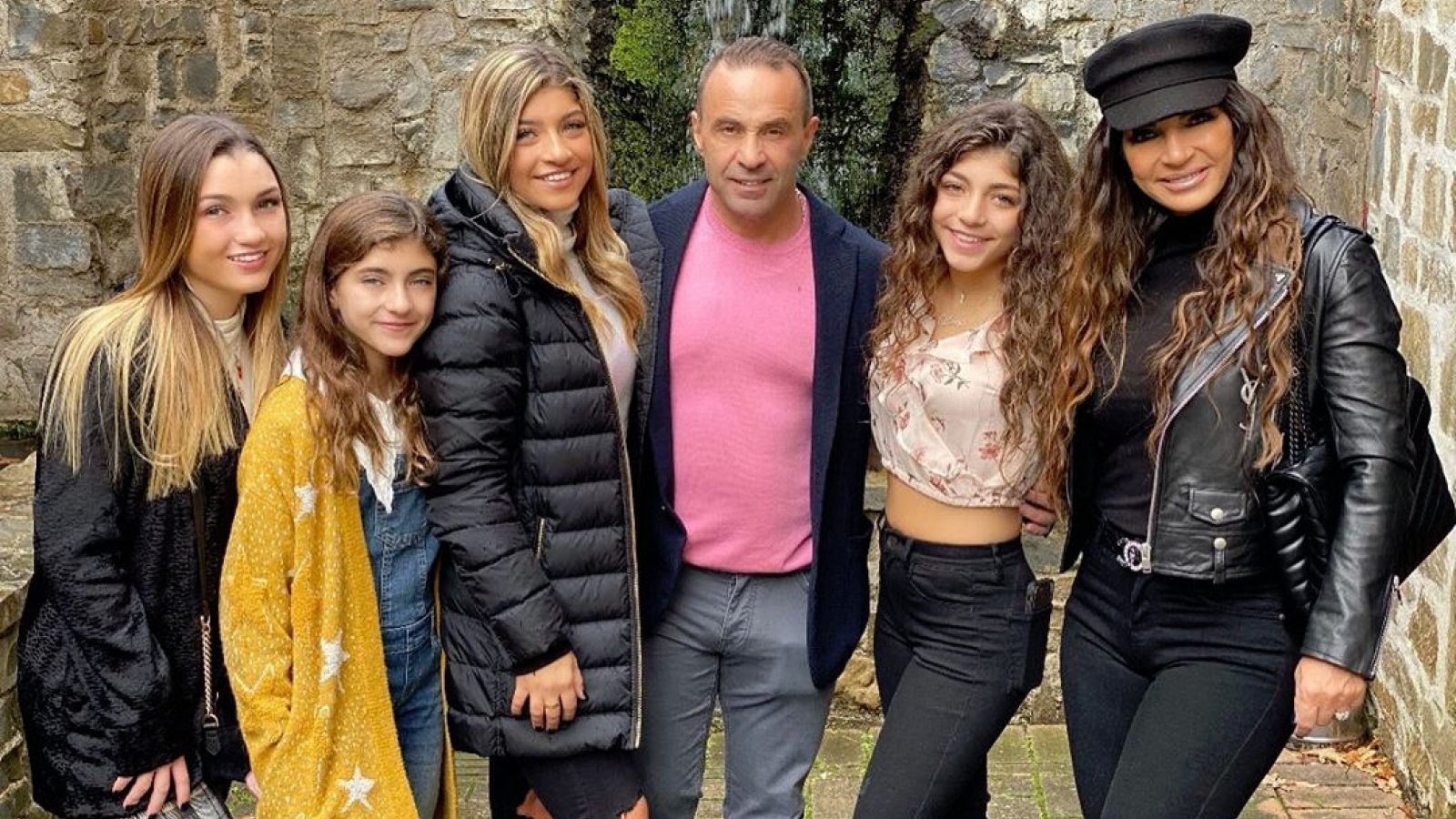 Teresa And Joe Giudice's Daughters Trying Ahead To Visiting Their Father In Italy Later This Summer time
