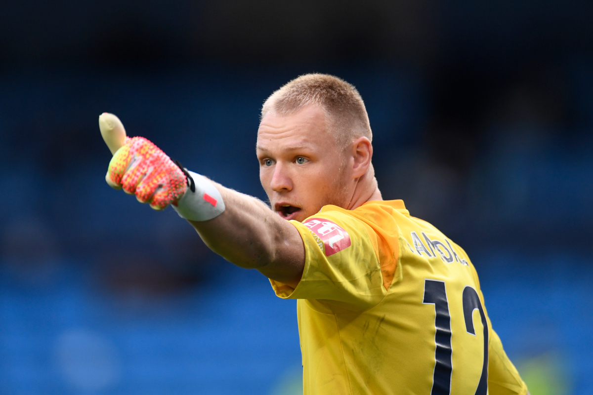 Manchester United switch determination made? Sheffield United have £18.5million bid accepted from Bournemouth for 'Dean Henderson substitute' Aaron Ramsdale