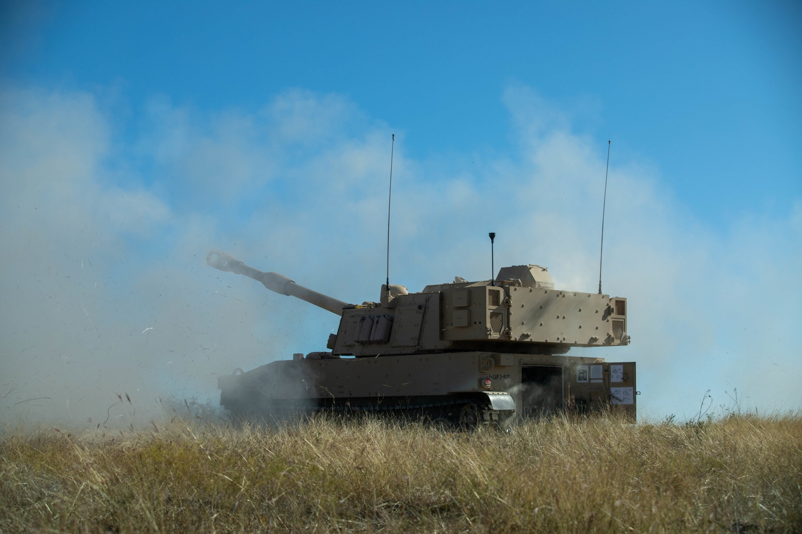 U.S. Army hosts live-fire demonstration of newly received M109A7 Paladins