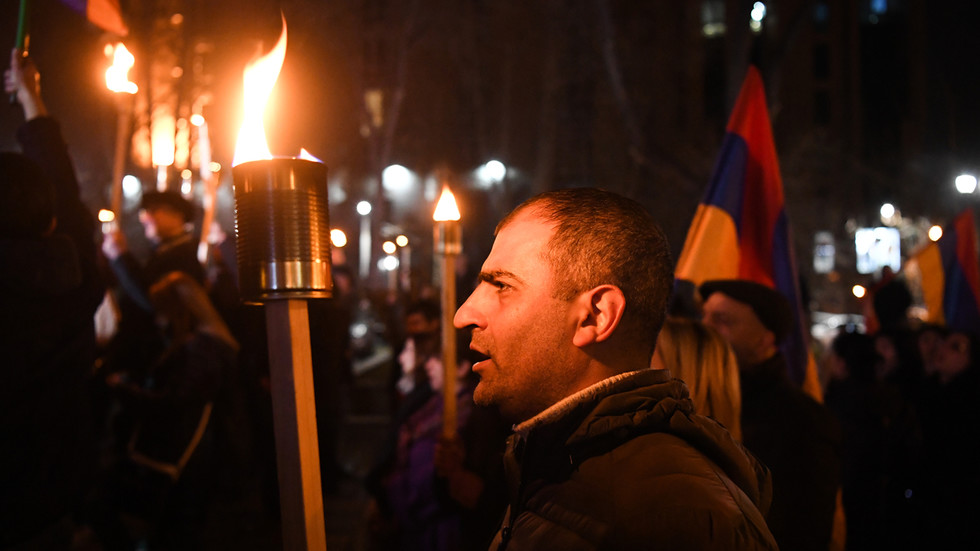 Nationalists stage torch-lit march, demand 'return' of Nagorno-Karabakh amid Armenian political disaster